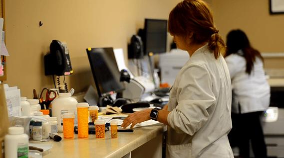 pharmacy_technician.png